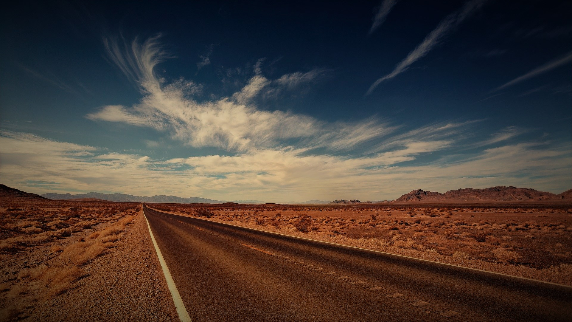 road-3856796_1920